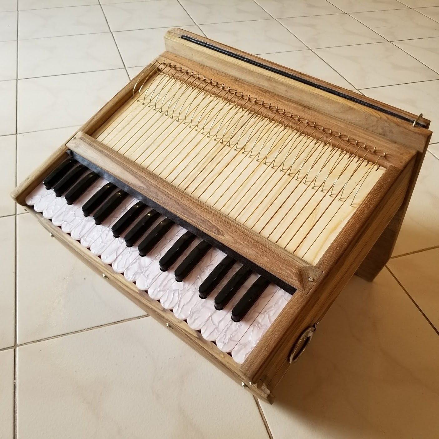 Harinam Harmonium – Germany